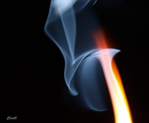 Oheň...